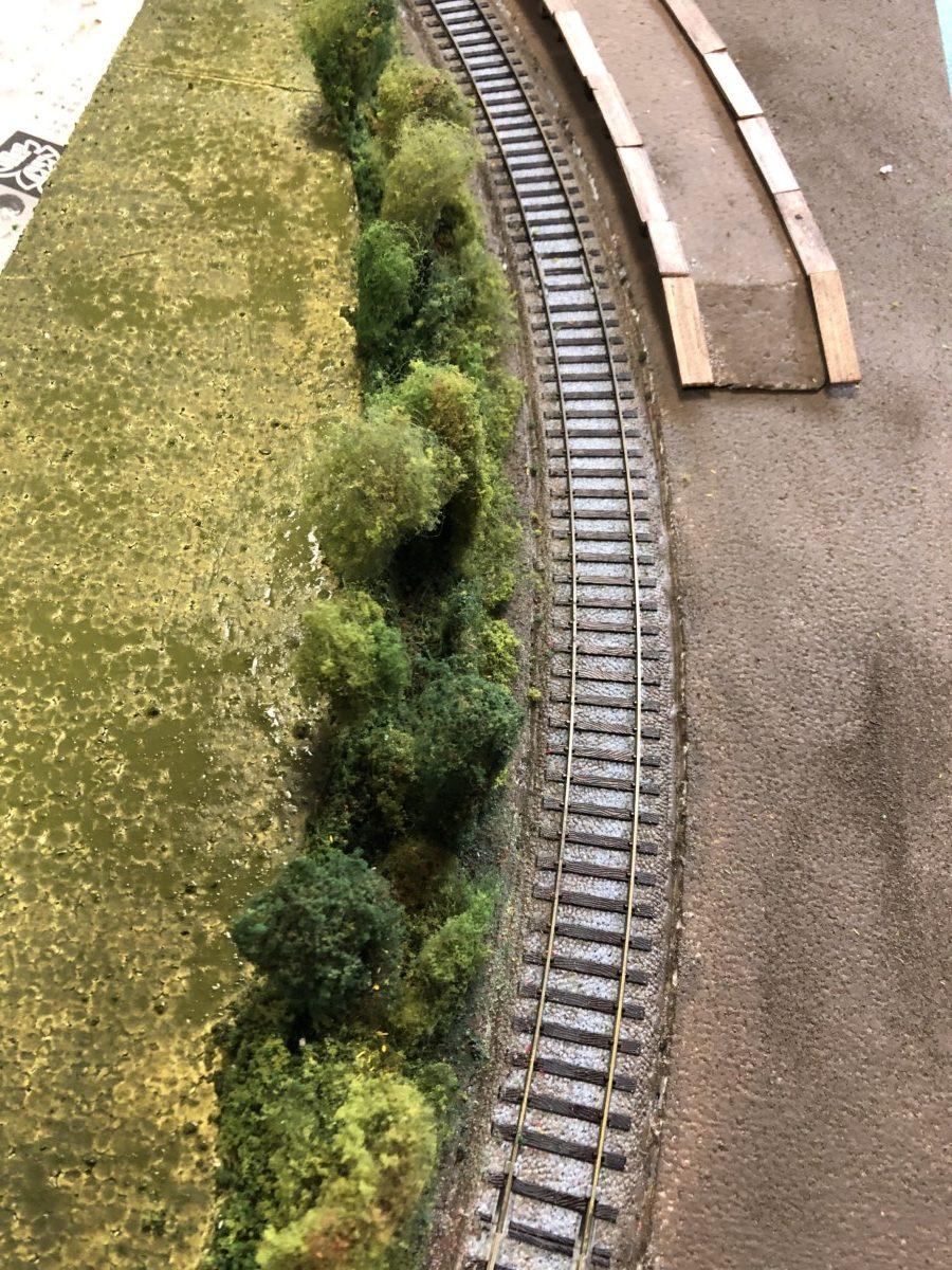湖畔驛と4号機関車をジオラマで再現チャレンジ(2)